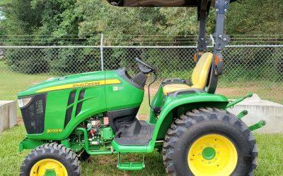 John Deere Tractor Model 3033R